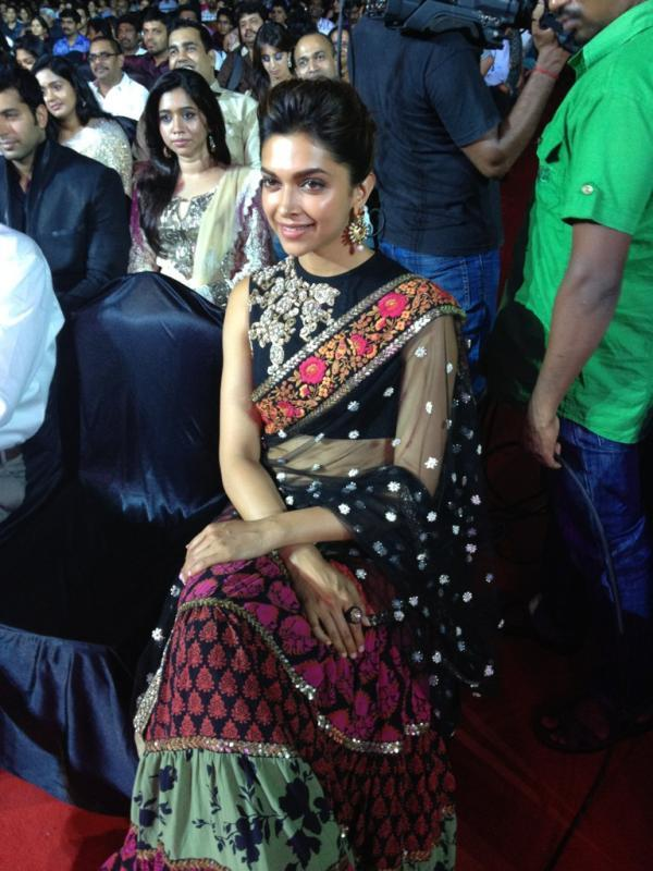 Deepika Looking Beautiful in Black Sabyasachi saree at 59th Filmfare South Awards