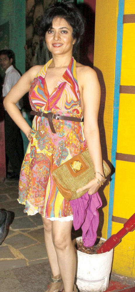 Sonal Sehgal Looks Lovely in a Printed Dress At Kailash Kher's Birthday Party