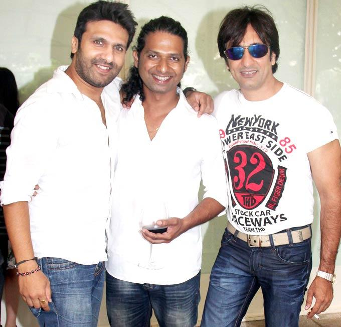 Shawn,Rajeev and Ashmith Strikes a Pose at Viveck Vaswani 50th Birthday Bash