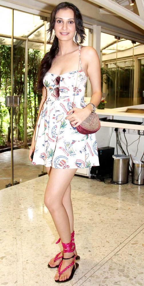 Vaishali Desai Short Dress Sexy Still at Viveck Vaswani 50th Birthday Bash
