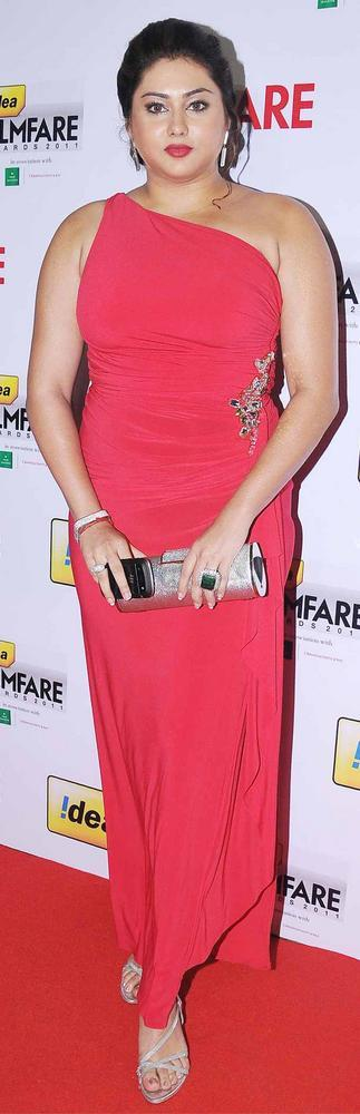 Hot Actress Namitha Kapoor at 59th Filmfare South Awards