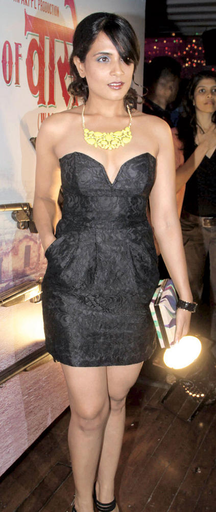 Richa Chadha Western Outfit In Black Dress