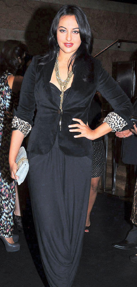 Sonakshi Sinha Jazzes Up Her Outfit With a Chain In Black Dress