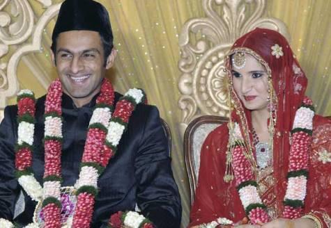 Sania Mirza and Shoaib Malik Sweet Smile Pic