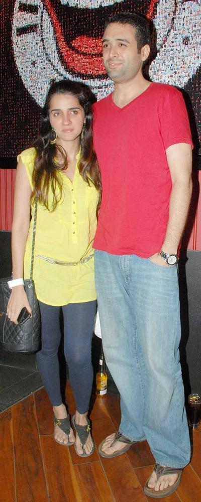 Shruti Seth with Hubby Danish at Ash Chandler's New Play Premier