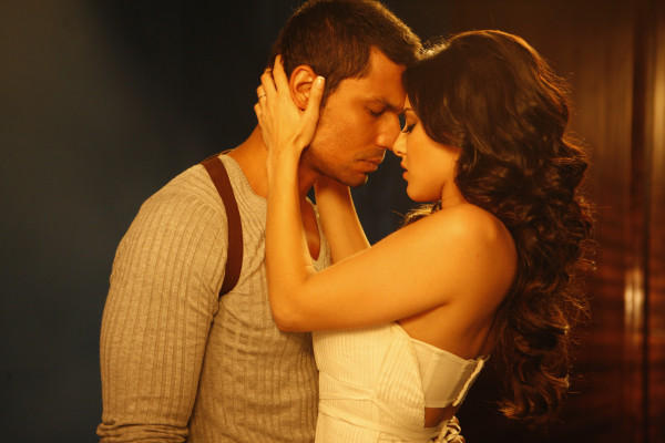 Sunny Leone and Randeep Hooda Latest Sexy Hot Pic In Jism 2