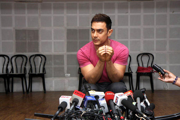 Aamir Talking With Media Reporters of His Show Satyamev Jayate