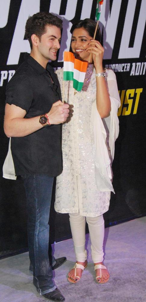Deepika In White Churidar Still With Neil During Lafangey Parindey Promotional Event