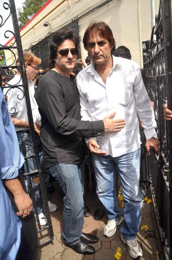 Fardeen Khan Snapped at Wrestler Dara Singh's Funeral