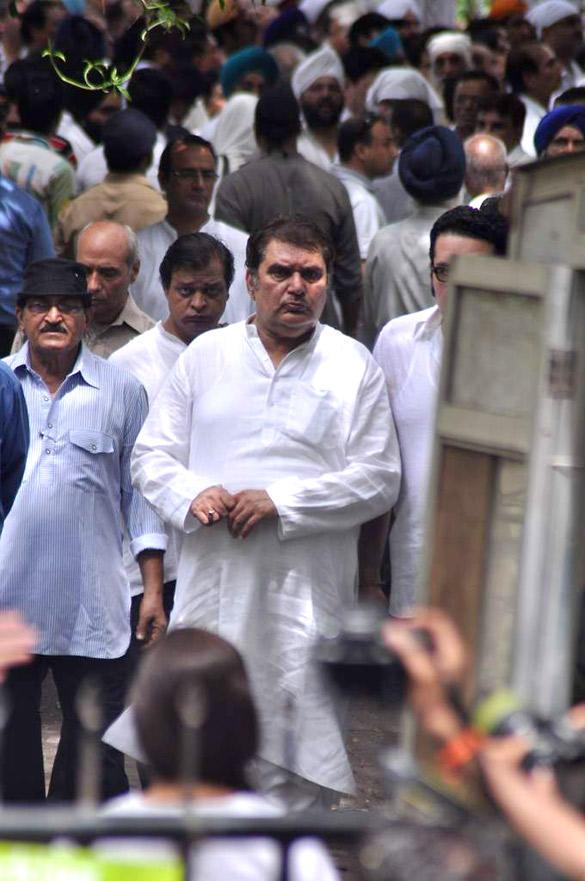 Raza Murad Spotted at Dara Singh's Funeral