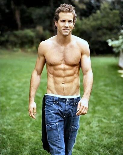 Ryan Reynolds Shirtless Stunning Pic