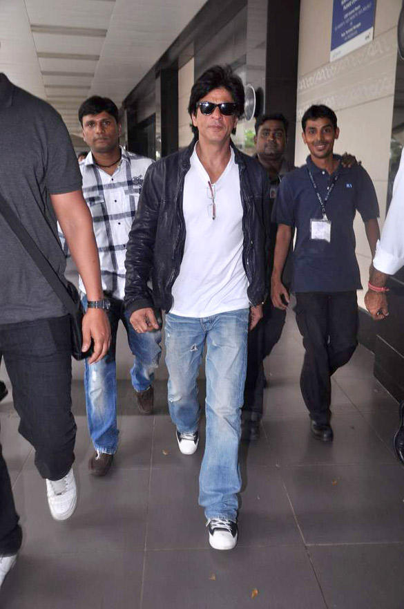 Handsome Actor Shahrukh  Spotted At Airport To Return From UK After Two Month Stay