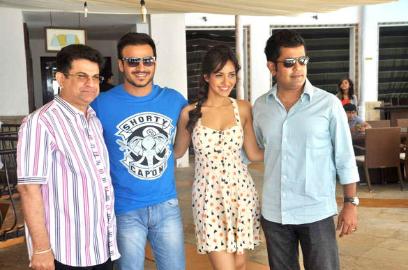 Neha,Vivek And Kumar Taurani At Jayanta Bhai Ki Luv Story Promo Launch