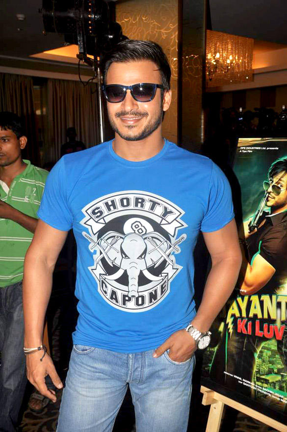 Vivek Oberoi Stylist Look At Jayanta Bhai Ki Luv Story Promo Launch