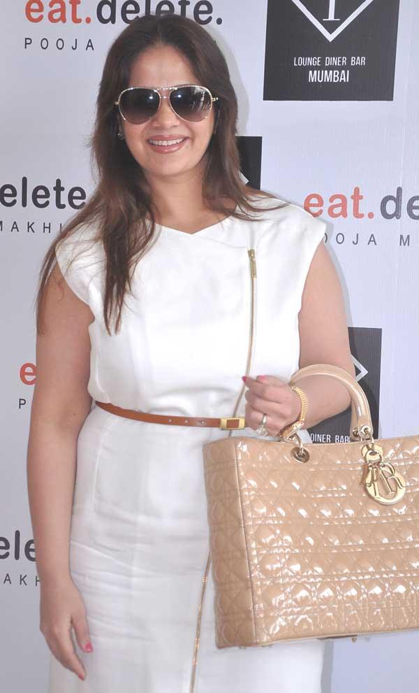 Kiran At F Lounge and Diner Bar For Launching Pooja Book Eat.Delete
