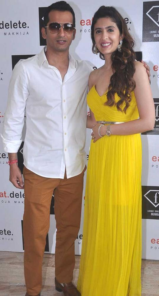 Ravi,Pooja At F Lounge and Diner Bar For Launching Her Book Eat.Delete