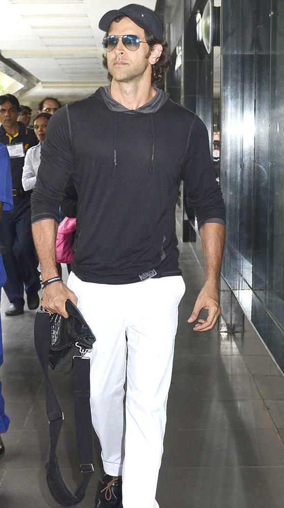 Hrithik Roshan Spotted At The Airport