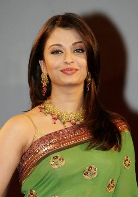 Aishwarya Rai Green Saree Gorgeous Pic