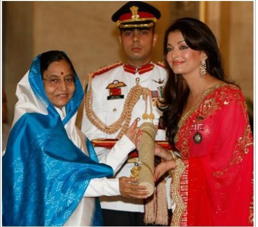 Aishwarya Rai Recieve Padma Shri Award With Prativa Patil