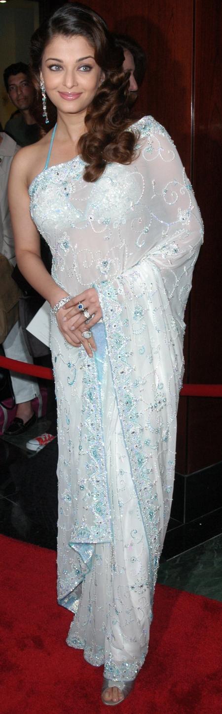 Aishwarya Rai White Saree Nice Still