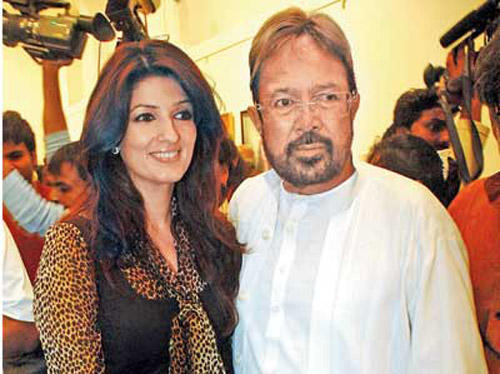 Rajesh With His Daughter Twinkle at Inauguration Of Prithvi Soni Exhibition