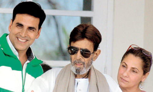 Rajesh Khanna With Akshay and Dimple Discharge From Hospital