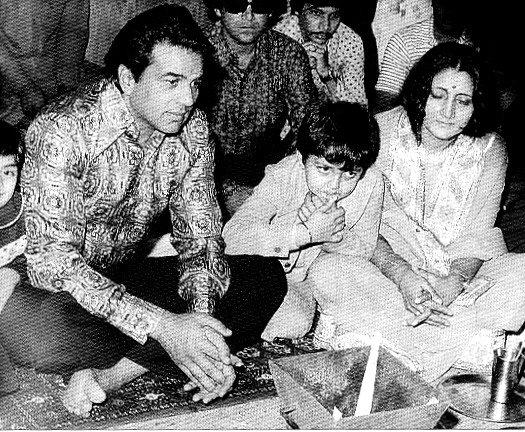 Dharmendra Latest Still With First Wife