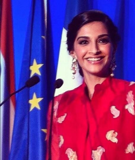 Sonam Kapoor Smiling Pic at Fete Nationale