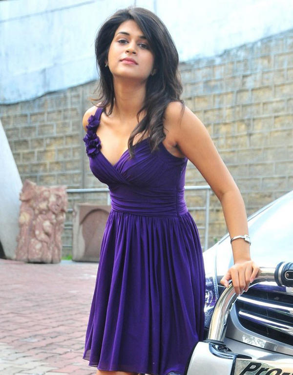 Shraddha Das Hot Pose Photo Shoot