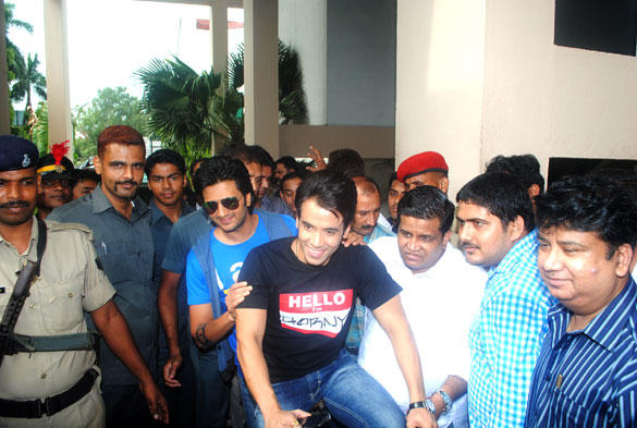 Riteish and Tusshar Promote Kyaa Super Kool Hain Hum Movie in Patna