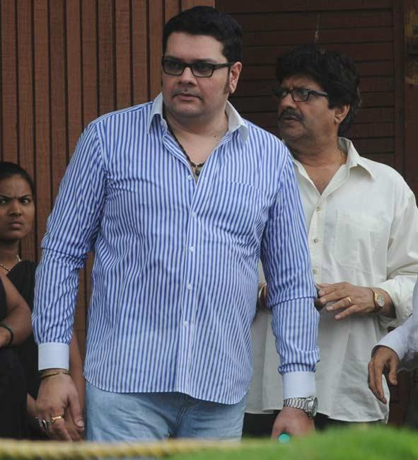 Anil Dhawan and Shehzad Khan Arrive to Pay Tribute Rajesh Khanna
