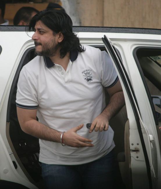 Director Goldie Behl Arrive to Pay Tribute Rajesh Khanna