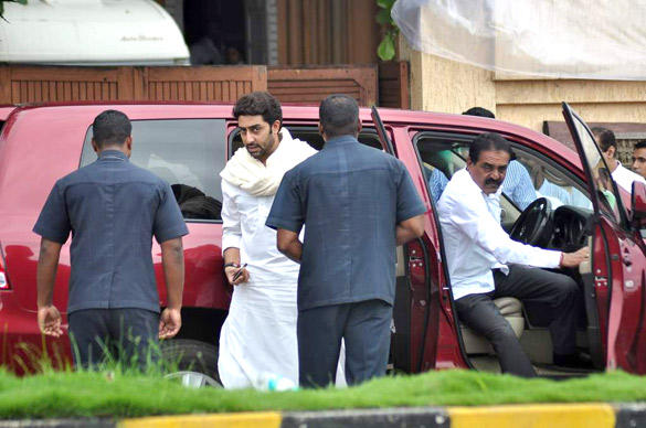 Abhishek Bachchan Arrive To Pay Tribute Kaka