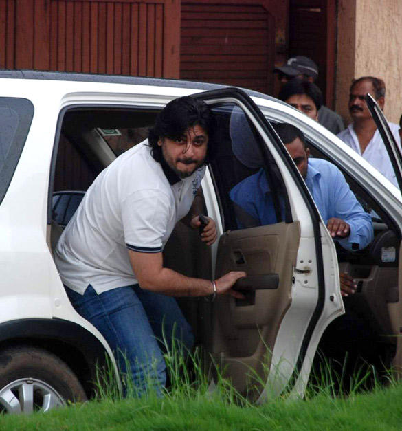 Goldie Behl Arrive To Pay Tribute Kaka