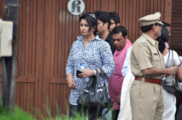 Poonam Dhillon Leaves After Paying Tribute To Superstar Kaka