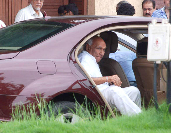 Yash Chopra Spotted at Paying Tribute To Superstar Rajesh Khanna