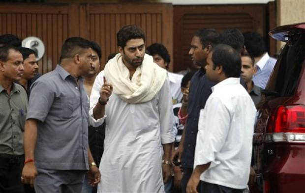 Abhishek Bachchan at Kaka's Funeral