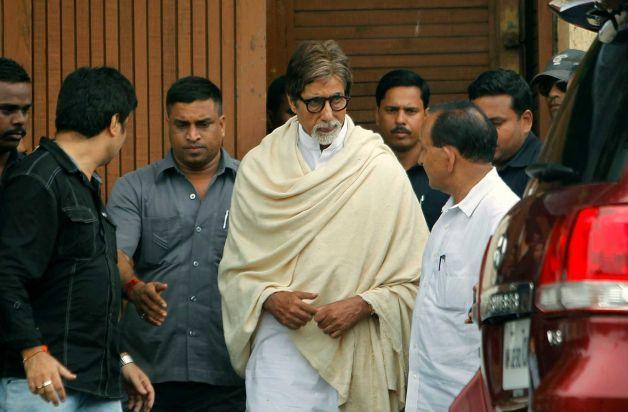 Amitabh Bachchan at Kaka's Funeral