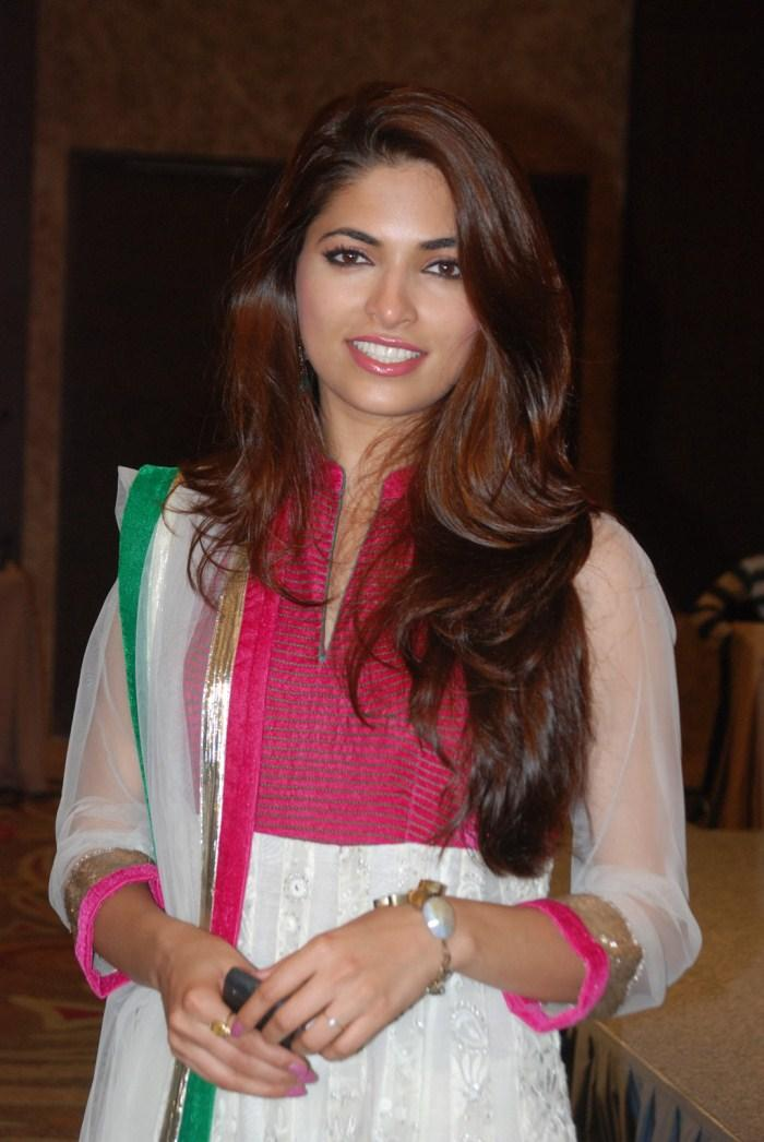 Parvathy Omanakuttan Sweet Smile Pic In Churidar