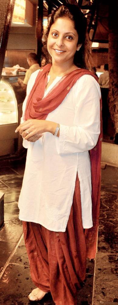 Shefali Chaya at Gulzar's Kharaashein Play