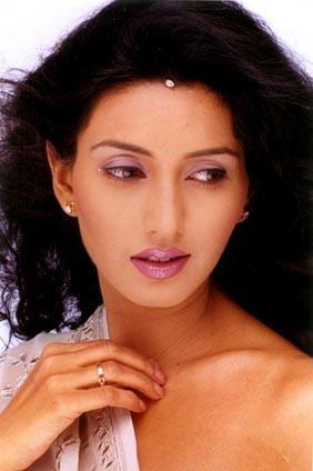 Deepti Bhatnagar On Romantic Mode Still