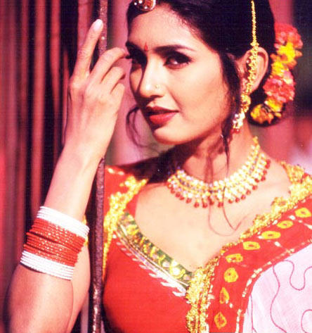 Gorgeous Diva Deepti Bhatnagar Romantic Look Still