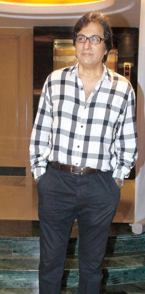 Popular Ghazal Singer Talat Aziz At A Ghazal Event
