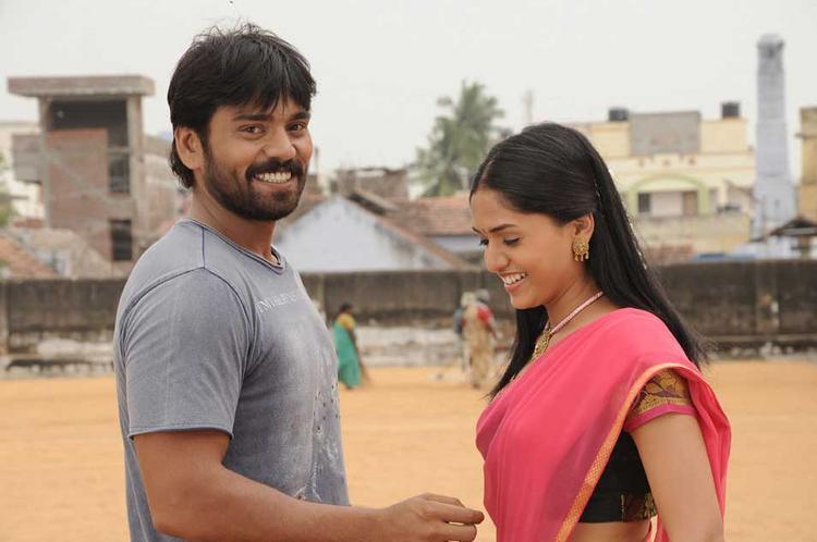 Pandi Oli Perukki Nilayam Movie Sabareesh and Sunaina Sweet Pic