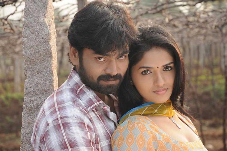 Sabareesh and Sunaina Hot Pose Still In Pandi Oli Perukki Nilayam Movie