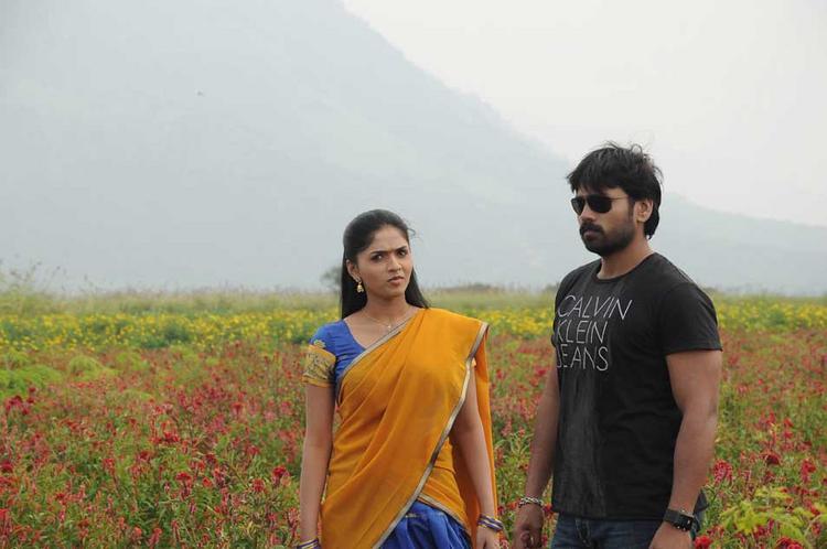 Sabareesh and Sunaina Latest Still In Pandi Oli Perukki Nilayam