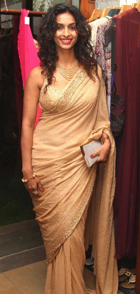 Sandhya Shetty at a Fashion Shop