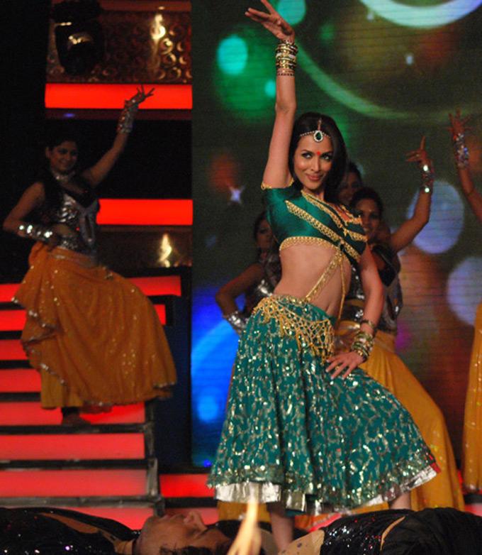 Item Queen Malaika Arora Item Song Dance Still