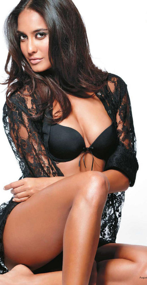 Lisa Haydon Hot In Shake It Saiyyan Item Song In Rascals Movie