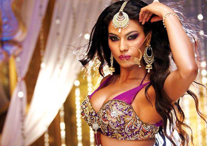 Veena Malik Channo Item Song Still In Gali Gali Chor Hain